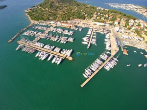Book your berth in Marina Hramina online